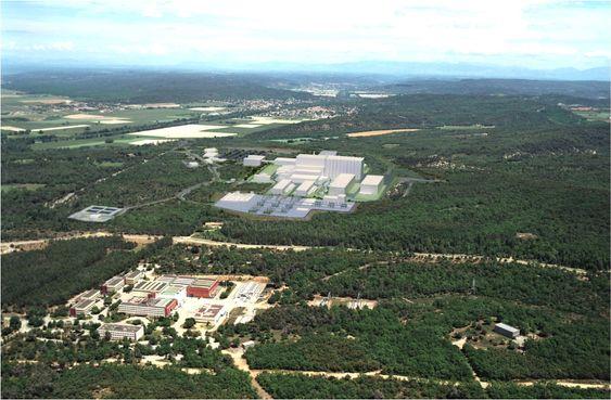 70 kilometer nord for Marseille skal verdens største fusjonsreaktor bygges.