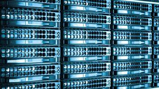 10 mennesker flytter over gangen når IBM selger serverdivisjonen for 2,4 milliarder dollar