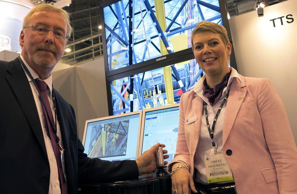 Direktør Inge Gabrielsen og markedssjef Vibeke Bals Borge Håverstad i TTS Energy OTC Houston 2012