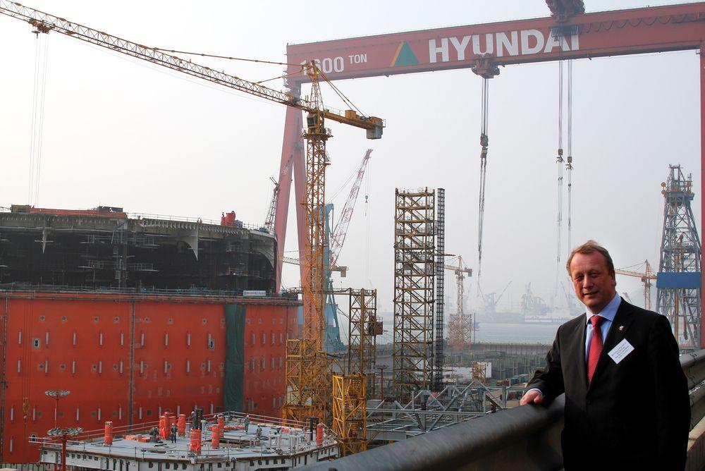 INSPISERTE GOLIAT-VERFT: Per Rune Henriksen var på besøkt hos Hyundai i Sør-Korea, hvor han blant annet fikk se byggingen av Goliat-FPSO.