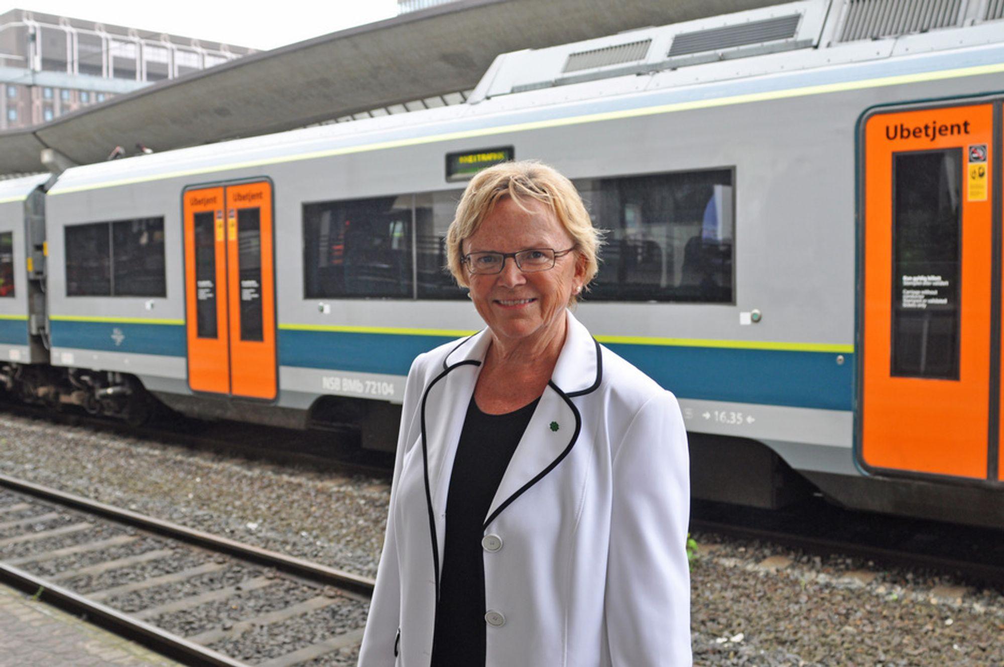 Samferdselsminister Magnhild Meltveit Kleppa er strålende fornøyd med gjennomføringen av oppgraderingen av Oslo S i sommer. Nå bør passasjerene merke en klar forbedring med mer punktlige tog, mener hun.