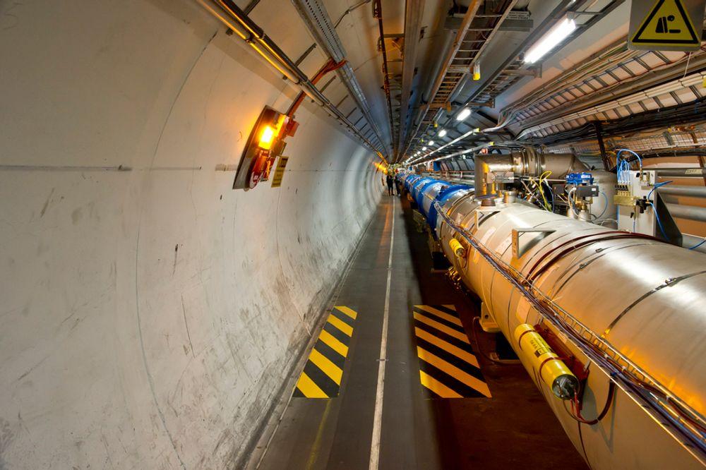 BIG BANG: Partikkelakseleratoren ved Den europeiske organisasjon for kjernefysisk forskning (Cern) skal finne svaret på universets gåter under Big Bang. Nå trenger gigantiske Large Hadron Collider en verdig motsats på dataprosesseringssiden.