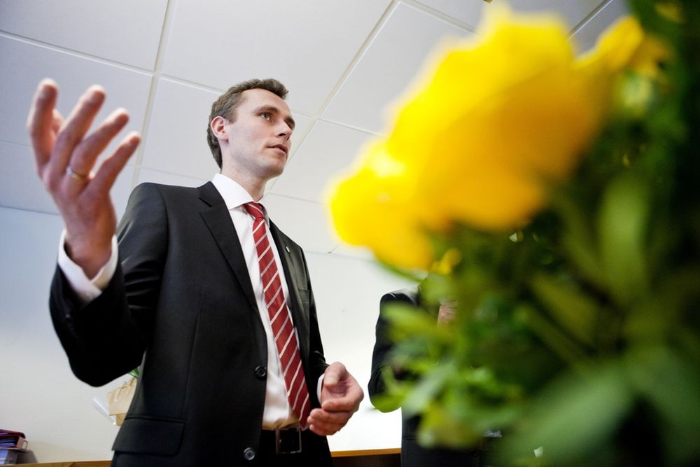 Olje- og energiminister Ola Borten Moe (Sp) lover lavere strømpris i Midt-Norge.