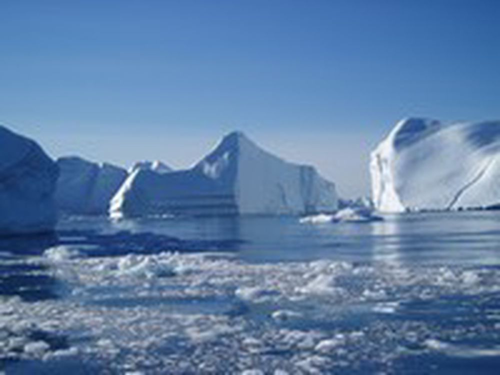 ARKTIS SMELTER RASKERE: Issmeltingen i år har slått rekordåret 2005. Økosystemene i Arktis er spesielt sårbare for klimaendringene.