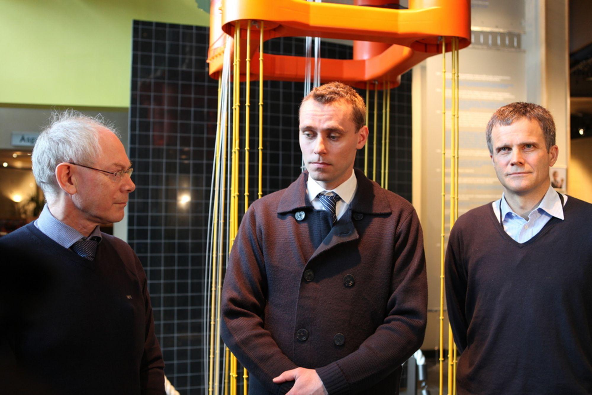 EU-minister Rompuy, Ola Borten Moe og Helge Lund måtte nøye seg med Statoils hovedkvarter i stedet for en tur offshore.