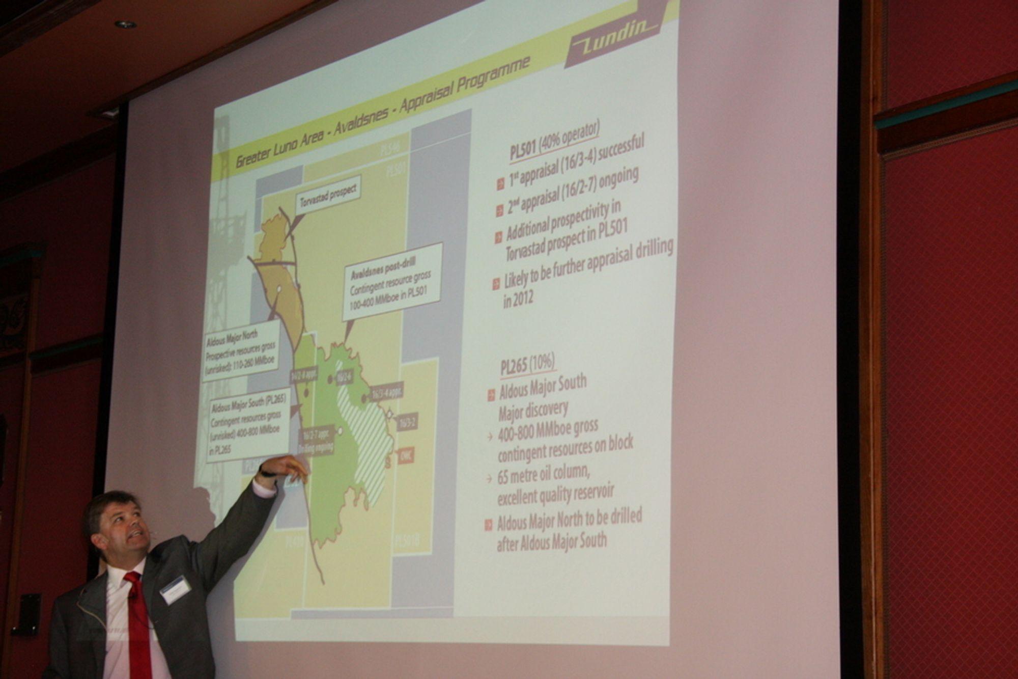 Ashley Heppenstall i Lundin viser selskapets andeler rundt Avaldsnes/Aldous Major-funnet.