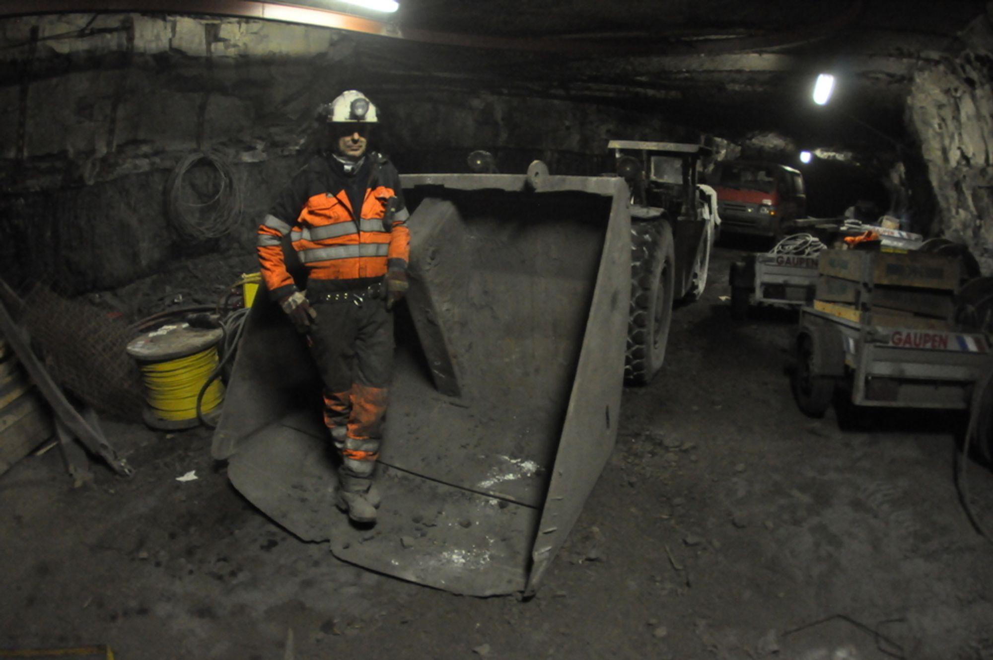 KULLDRIFT: Regjerningen har ennå ikke gitt klarsignal for gruvedrift i Lunckefjellet. Bildet er fra Gruve 7, der Håvard Dyrkolbotn er gruvesjef.