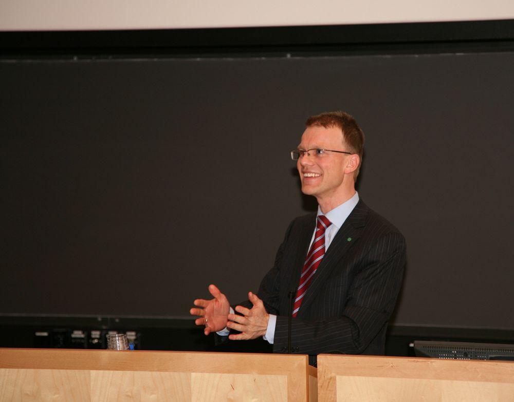 MINERALER: - Regjeringen av bevilget 100 millioner kroner til leting etter nye utvinnbare mineralforekomster i Nordnorge, sier Erik Lahnstein.