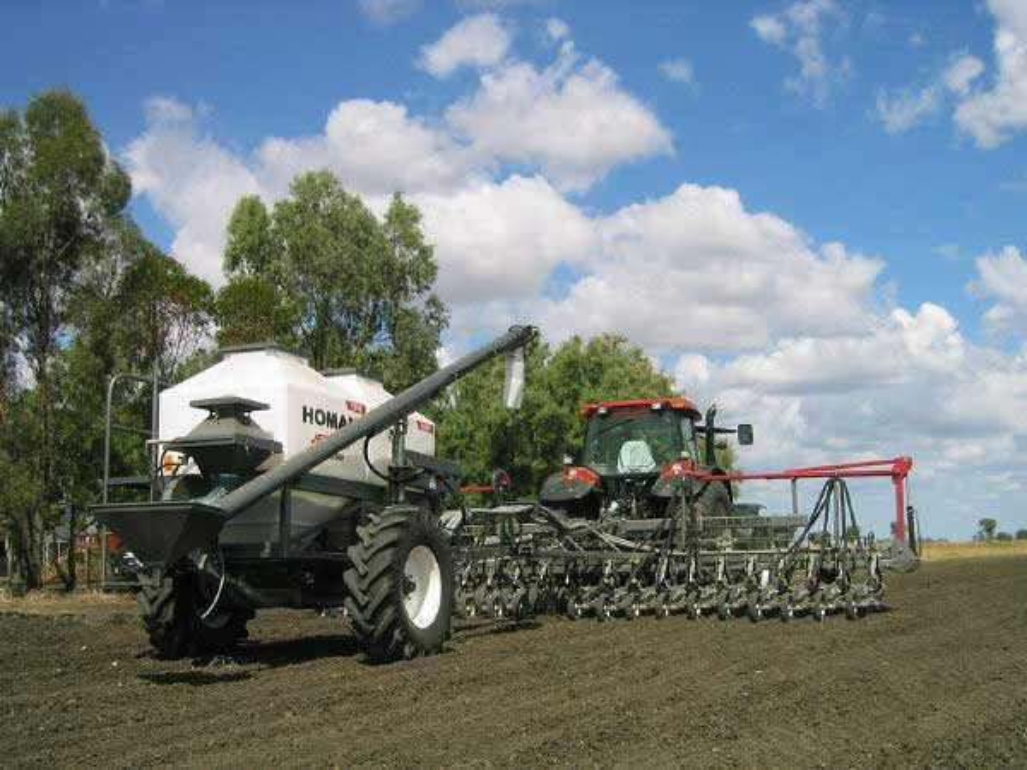GJØDSLING: Høyintensivt landbruk fører til utarming av jordsmonnet.