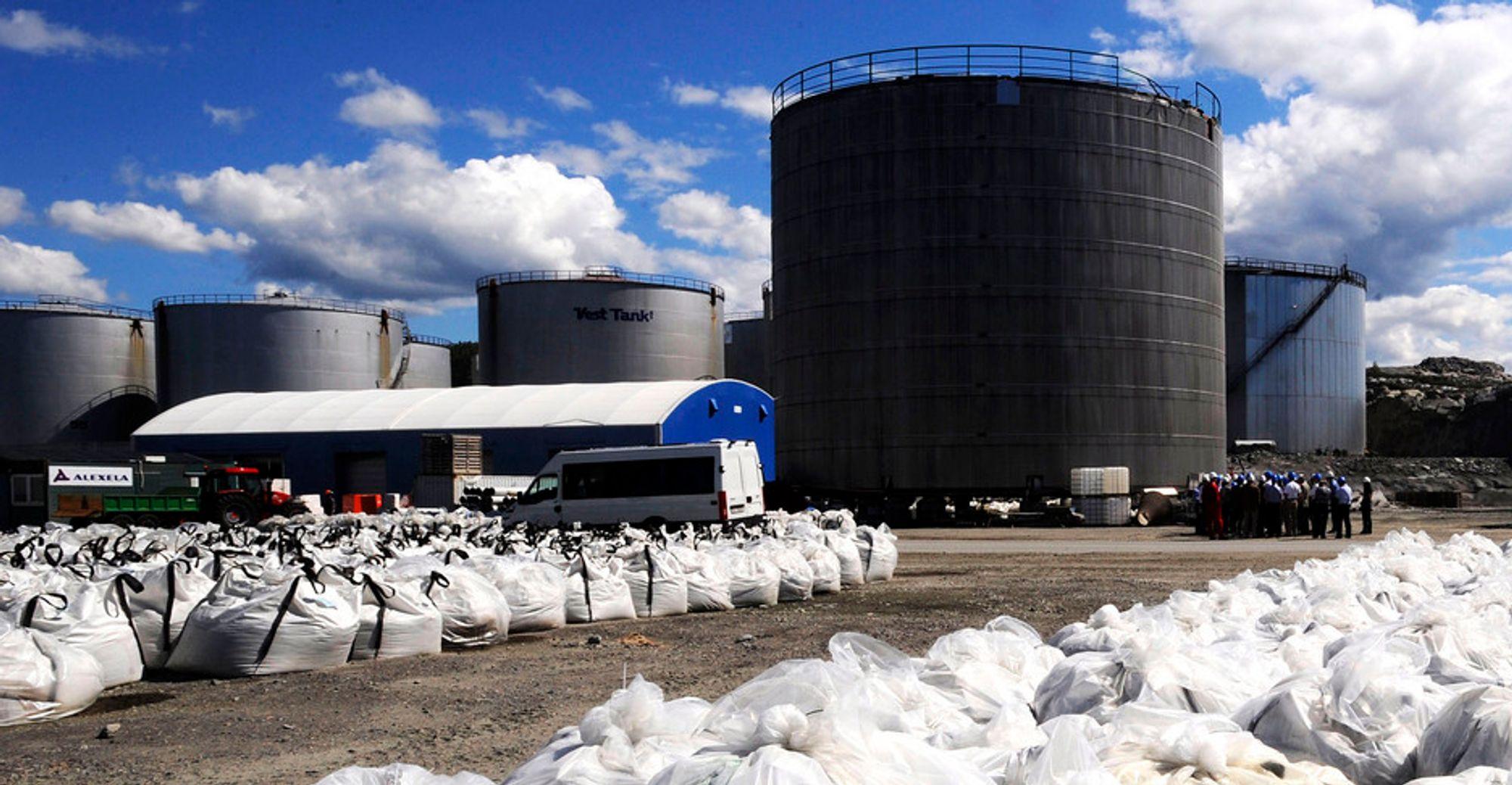 I RETTEN: Eier og styreleder ved Vest Tank-anlegget er dømt for å ha satt liv og helse i fare, men ikke for å ha mottatt farlig avfall.