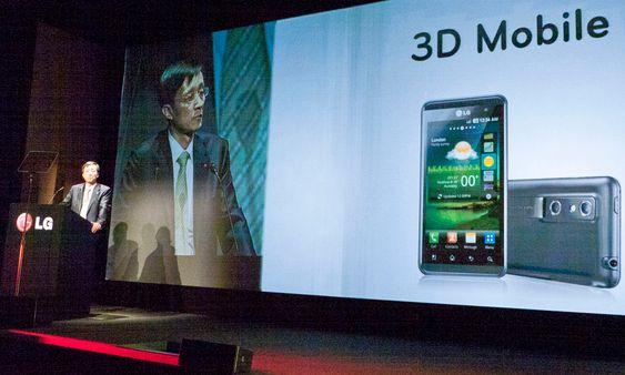 LG lanserte 3D-mobil og nettbrett under Mobile World Congress i Barcelona.