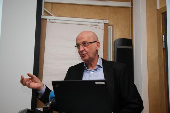 DOBBELTSPOR: Prosjektleder Tom Stillesby gjorde det klinkende klart at dobbelspor er det eneste fornuftige om man velger å bygge høyhastighetsbane i Norge.