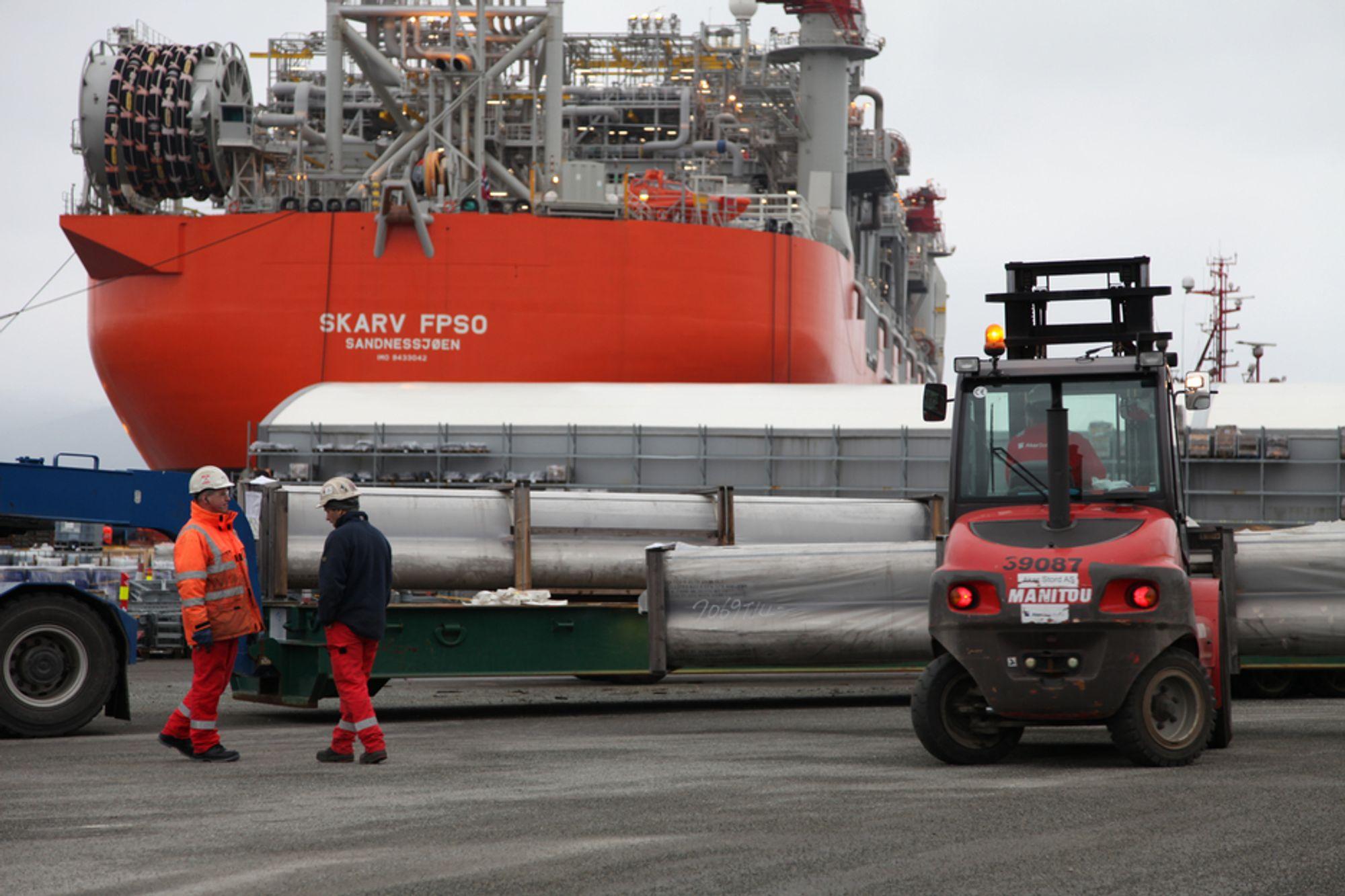 HEKTISK: I løpet av seks uker fra 1. mars til midten av april, skal 1200 mann jobbe i skift med ferdiggjøring og igangkjøring av systemer om bord på FPSO-en Skarv.