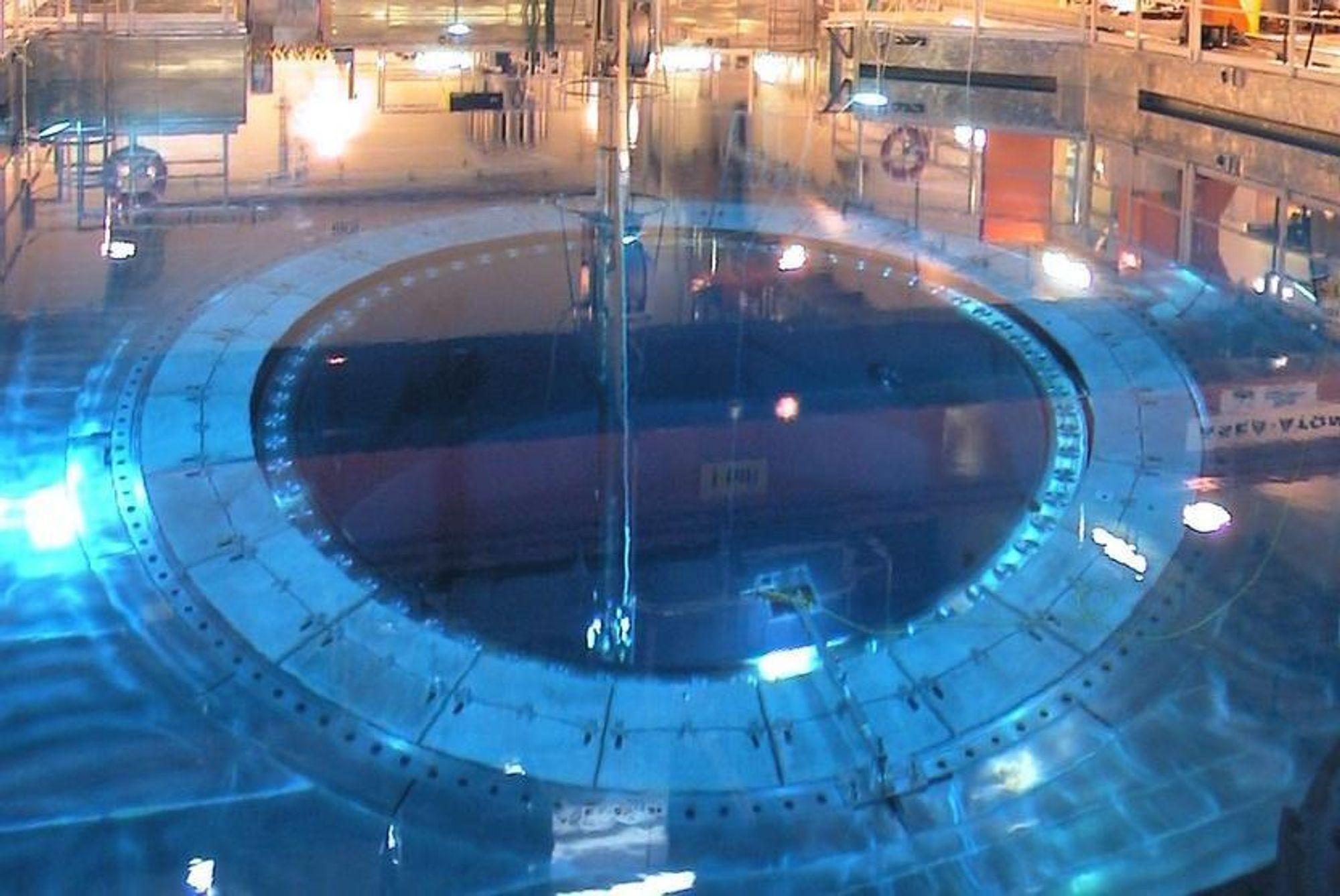 LAVERE EFFEKT: OKG har planer om å øke effekten på Oskarshamn 2 fra 638 til 806 MW i 2013. Derfor satte den inn nye større turbiner i 2009. Fram til da må man nå finne en provisorisk løsning.(Illustrasjonsbilde fra Oskarshamn 3)
