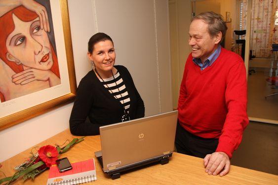 PT-direktør Willy Jensen og juridisk rådgiver Louise Tollefsen, avdeling for terminaler og nett.PTs hovedkvarter, Lillesand.