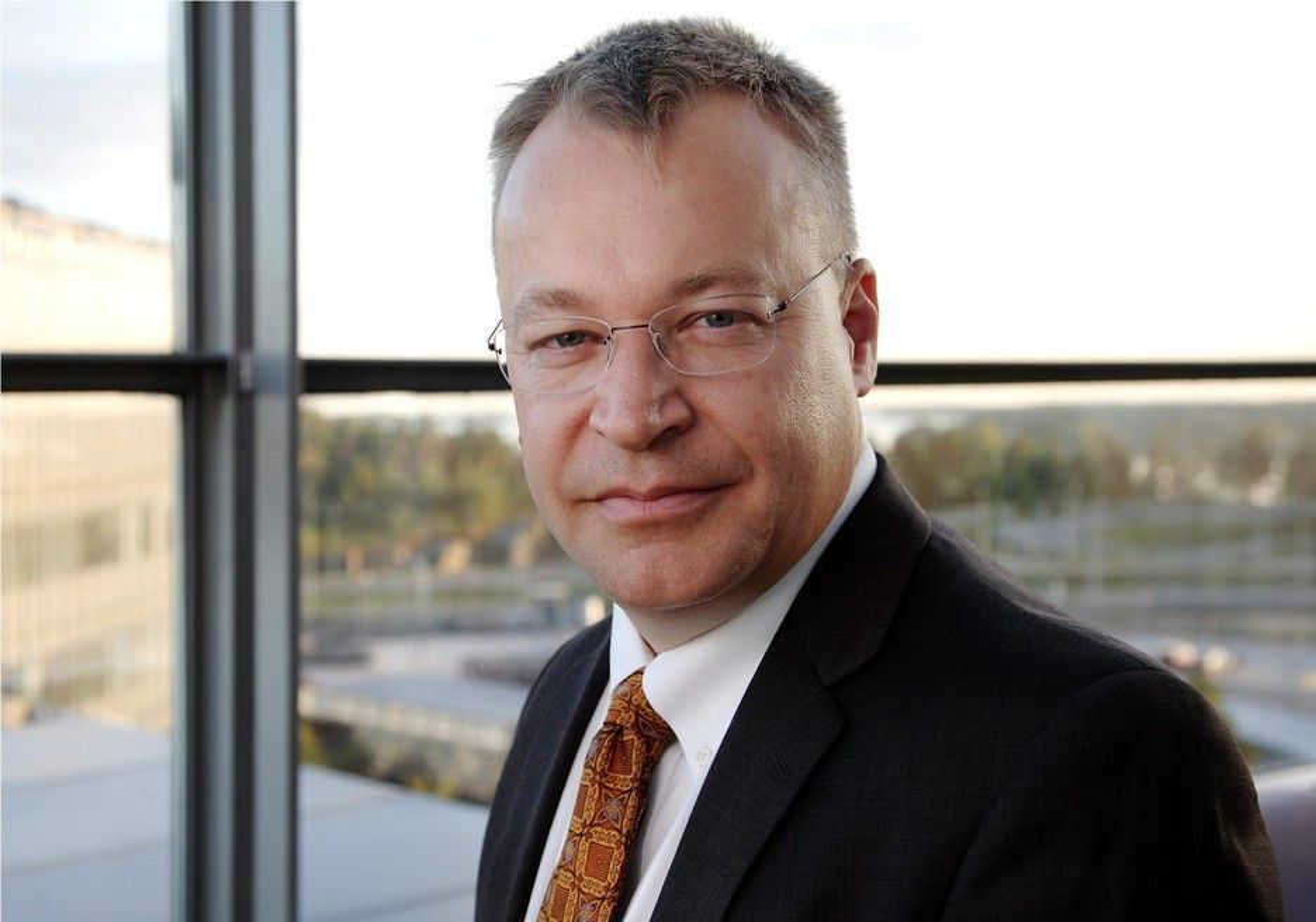 KLAR TALE: Nokias ferske konsernsjef Stephen Elop sparer ikke på kruttet når han gjør opp status for Nokia.