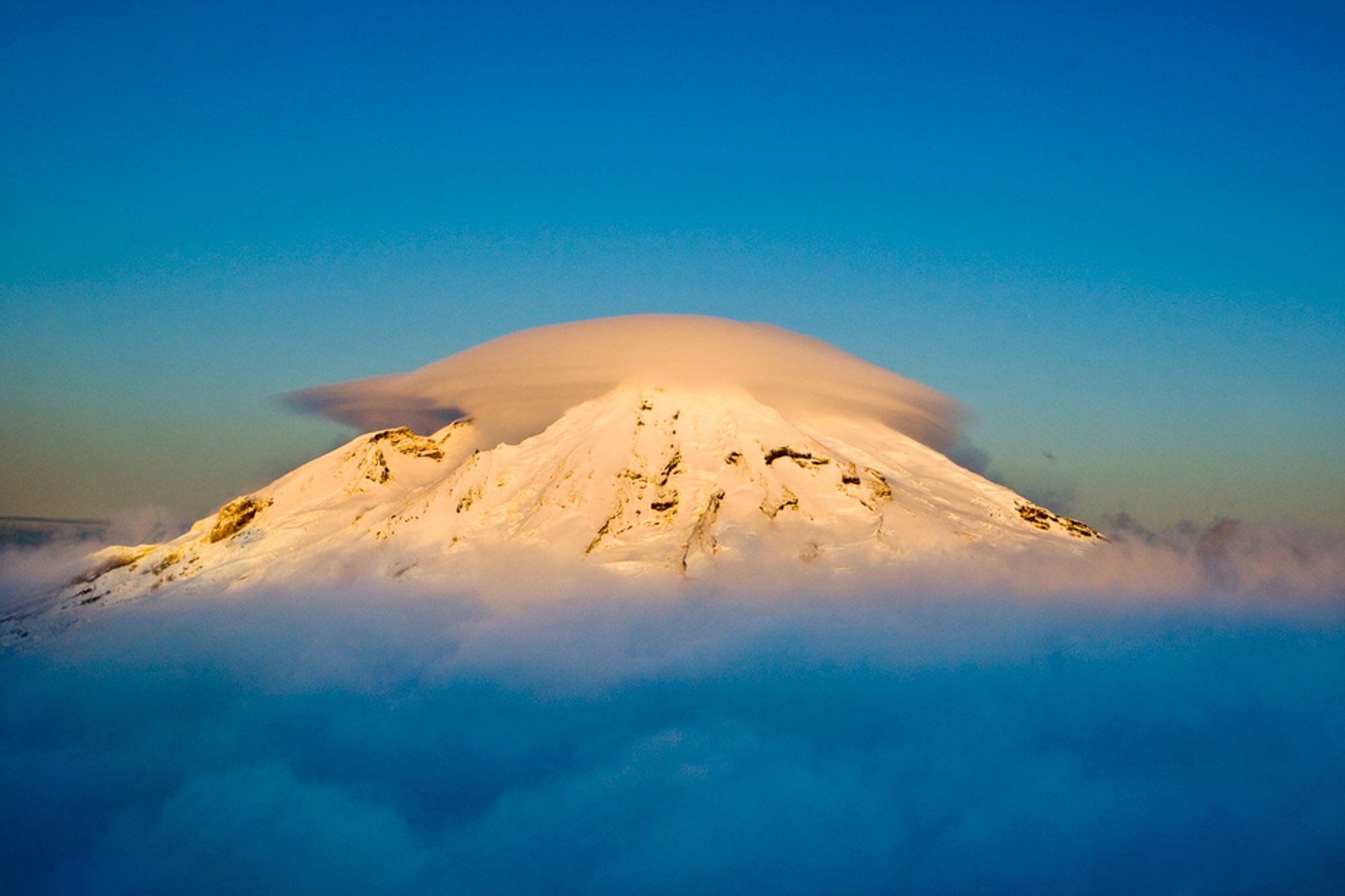 Vulkanen Beerenberg på Jan Mayen gjør havområdene rundt surere enn vanlig. Det gir gode forskningsforhold.