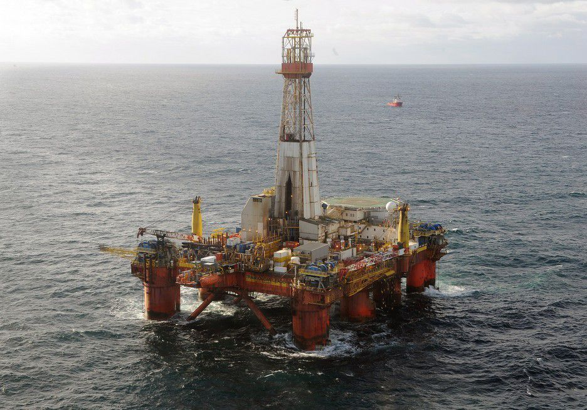 KJEMPEFUNN: Riggen Transocean Leader boret på gigantfunnet Aldous Major i Nordsjøen.