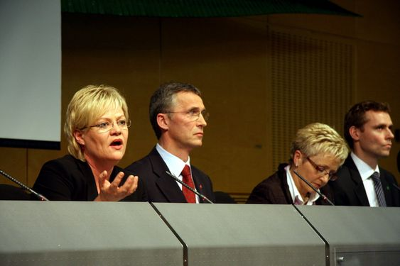 Kristin Halvorsen, Jens Stoltenberg, Liv Signe Navarsete, Ola Borten Moe. Fremlegging av Forvaltningsplan Lofoten og Barentshavet. (Foto:MAIKEN REE)