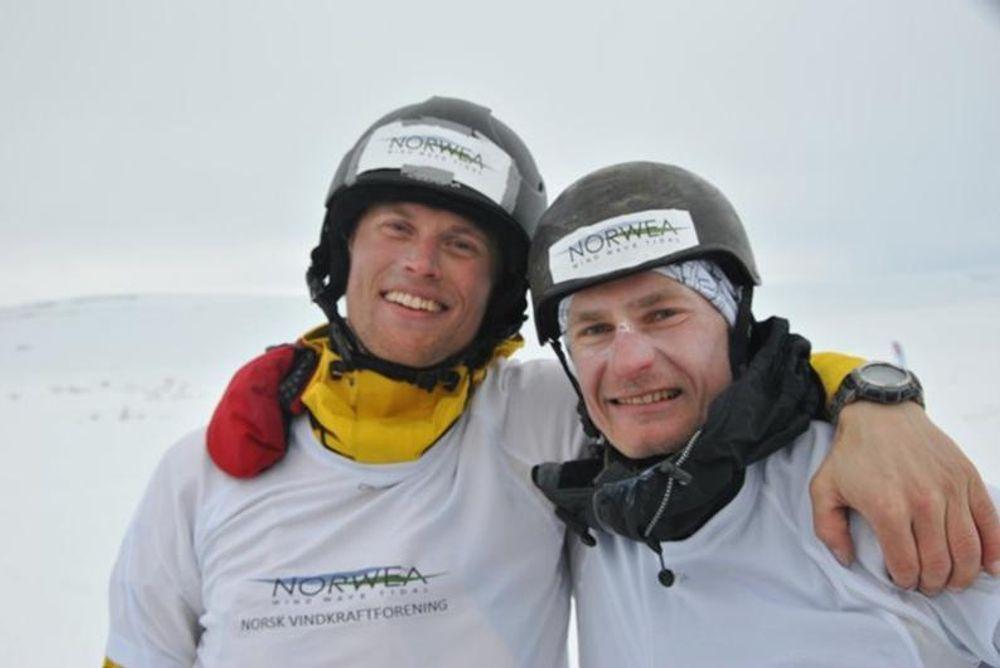 VANT VM: Tidenes første VM i langdistanse-kiting ble vunnet av to ingeniører. Niklas Norman (t.v.) jobber i Dr. techn. Olav Olsen og Vici Ventus. Carl Gustaf Rye-Florentz jobber til daglig i fornybarorganiasjonen Norwea.