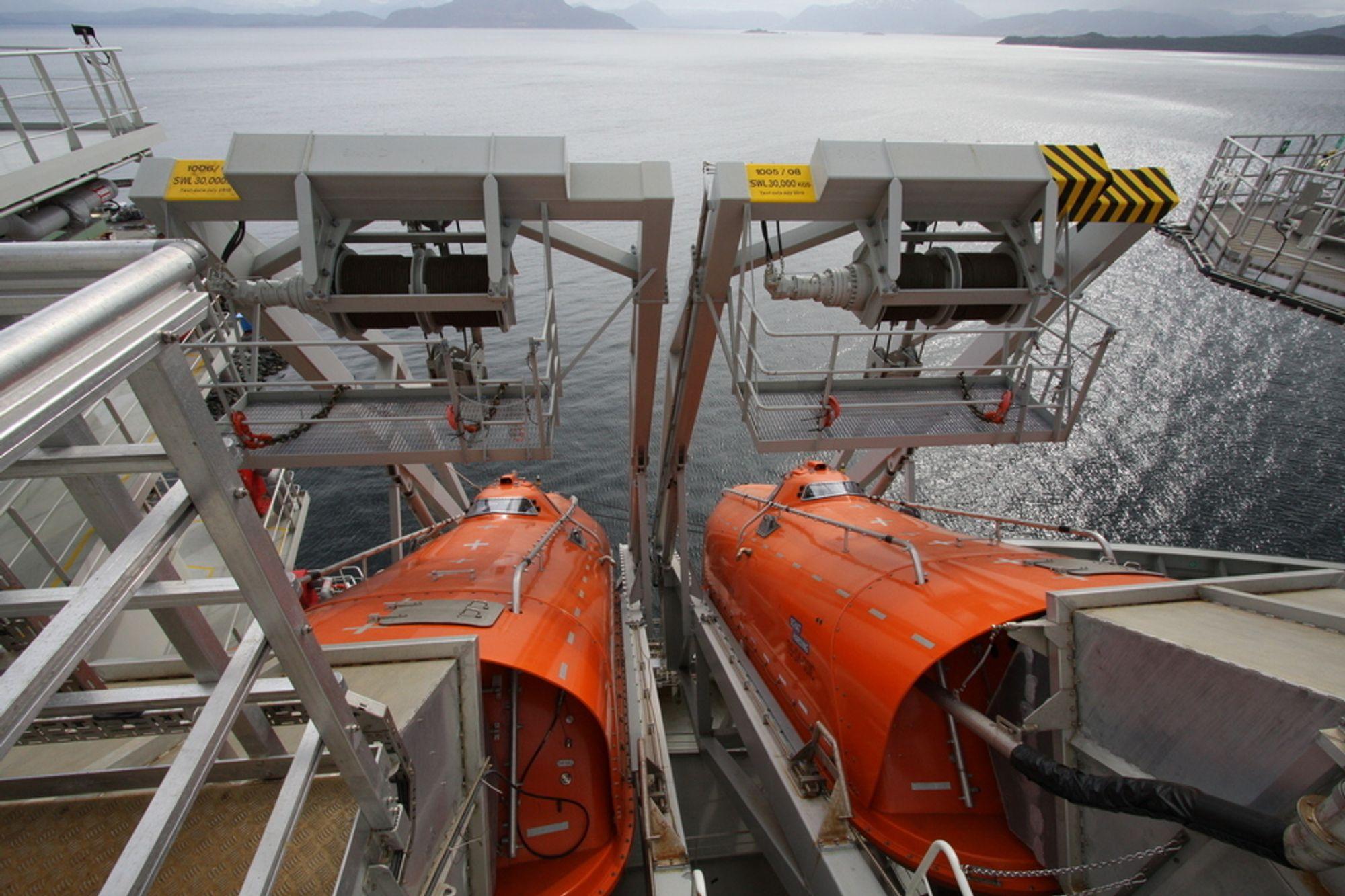 En regelendring kan gjøre at samtlige livbåter på norsk sokkel må byttes. Det er uaktuelt, sier Statoil. (Illustrasjonsfoto)