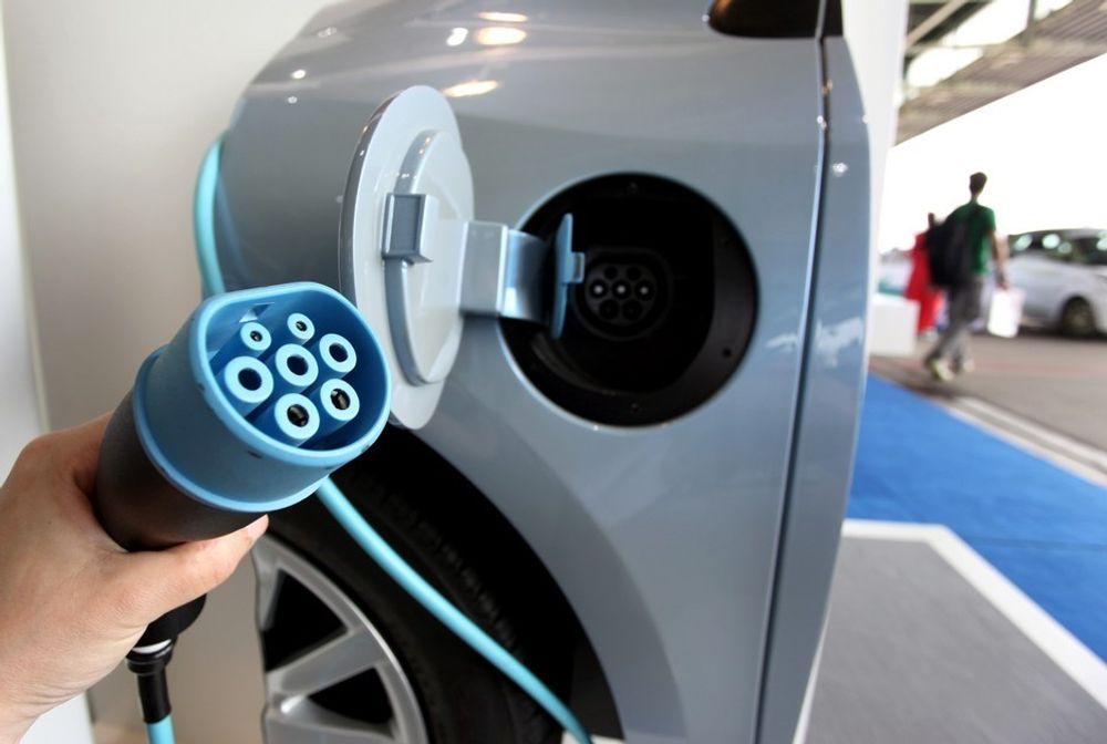Transnova skal dele ut fire millioner kroner til nye hurtigladepunkter for elbiler.