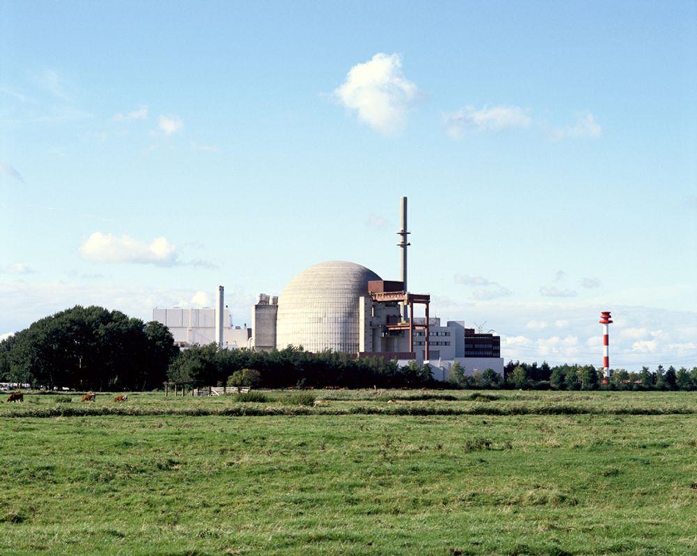 STENGES NED: Eons kjernekraftverk Brokdorf står for rundt 2 prosent av tysk kraftproduksjon, ifølge Wikipedia. Nå skal det også stenges. Gass og kull blir trolig en viktig erstatning.