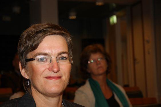 IKKE VERSTING: Ellen Hambro, direktør for Klif, kunne fortelle at norske byer ikke er blant verstingene i Europa selv om utslippene overskrider grenseverdier satt av EU