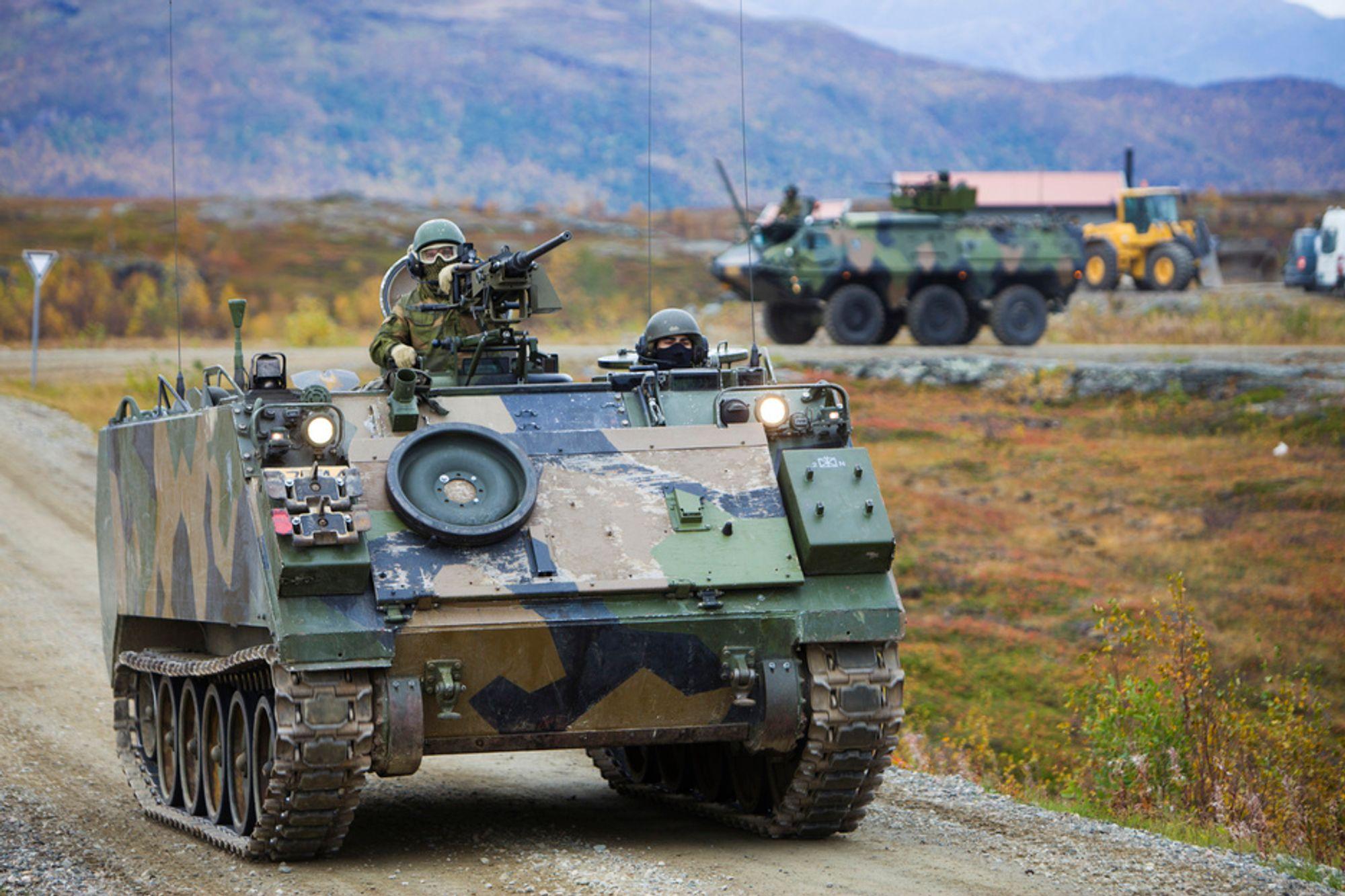 Tungtransport i forbindelse med øvelser vil nå i mye større grad skje innenfor skytefeltene Mauken og Blåtind etter sammenbindingen. Fram til nå har mye transport gått langs offentlig vei.