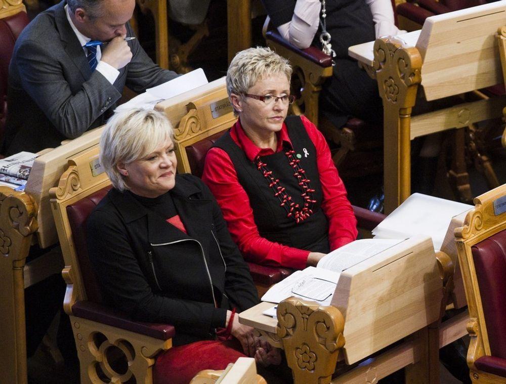 Både Kommunal- og regionaldepartementet og Samferdselsdepartementet, med henholdsvis Liv Signe Navarsete og Kristin Halvorsen i spissen, har innvendinger til forslaget til samhandlingsreform.