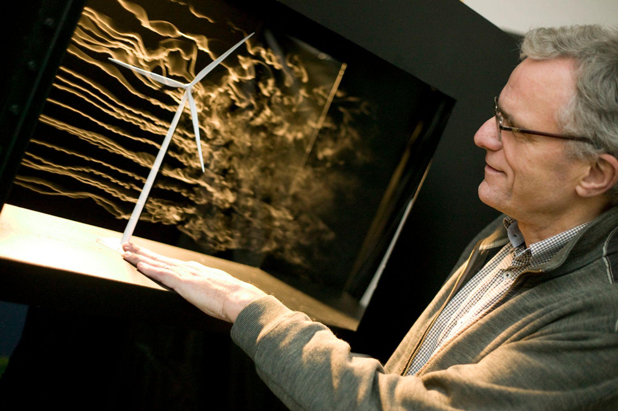 VINDFULLT: Prosjektleder Ove Grande fra SINTEF Energi håper systemet og konseptet på Bornholm kan brukes i andre europeiske land i framtiden.