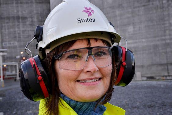 ATTRAKTIVT: - Vi tiltrekker oss unge arbeidstagere. Gjennomsnittsalderen for de ansatte her på Melkøya er knappe 33 år, forteller Marit Hansen.