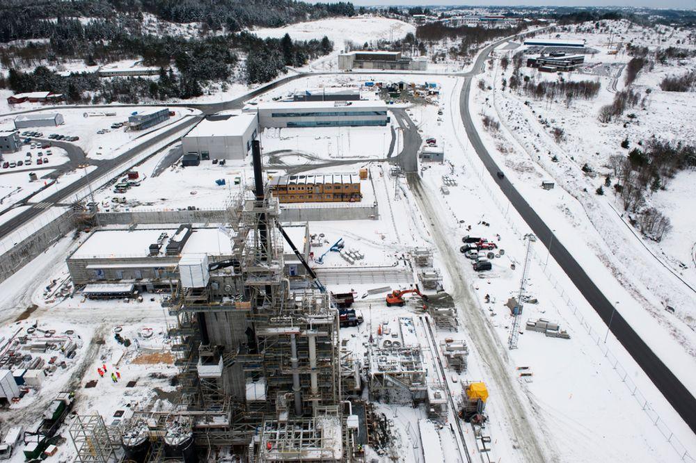 IKKE SIKKERT: Statoil mener at CO2-fangstteknologiene ikke er modne for å bygges ut til et fullskala anlegg. Mer forskning og teknologikvalfisering må gjennomføres for å være sikker på at det endelige konseptvalget er riktig.