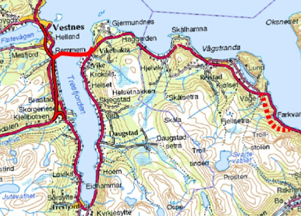 Tresfjordbrua er markert øverst til venstre, Vågstrandtunnelen er den stiplete røde linjen lengst til høyre.
