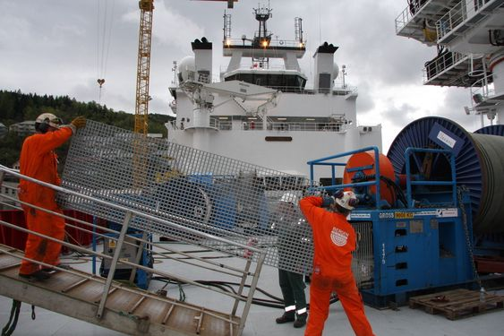 TUNGT: Verken Bergen Group BMV eller Fosen har noen skip inne til utrustning nå. Skorgene er imidlertid under bygging i utlandet. Til høsten blir det nye aktivitet. Ingeniører og innkjøpere har hendene fulle.
