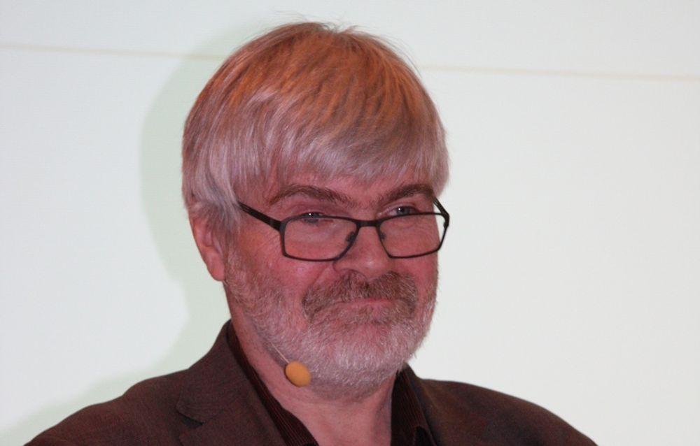 Leif Sande stiller spørsmål til hvorfor fagforeningene ikke ble invitert med i Åm-utvalget.