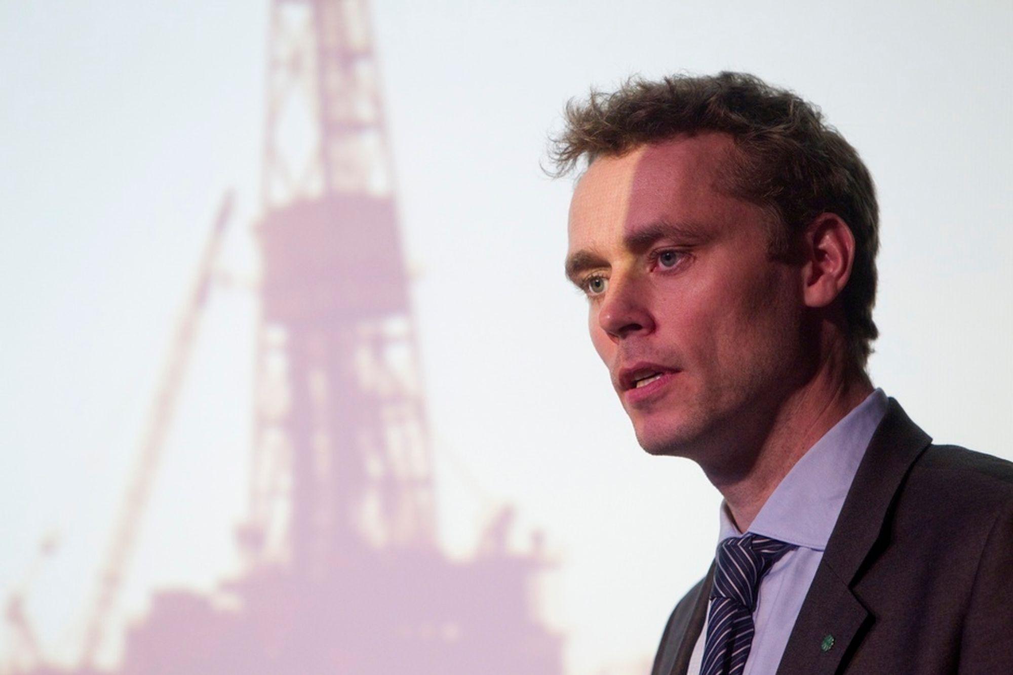 Ola Borten Moe vil selv gi navn til store oljefunn. Men han blir imøtegått av OD og Språkrådet.