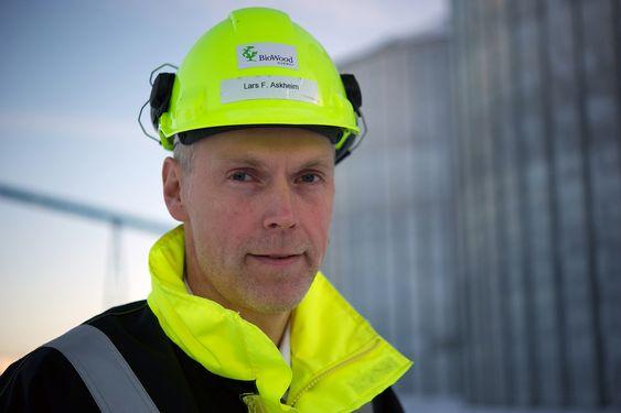 AVVISER KRITIKKEN: - Vi skulle selvsagt ønske at vi kunne unngå å nedskrive verdien på den innkjøpte flisen, men på kjøpstidspunktet var det ingenting som tydet på at vi skulle få de oppstartsproblemene vi fikk, sier Biowood-direktør Lars Frode Askheim.