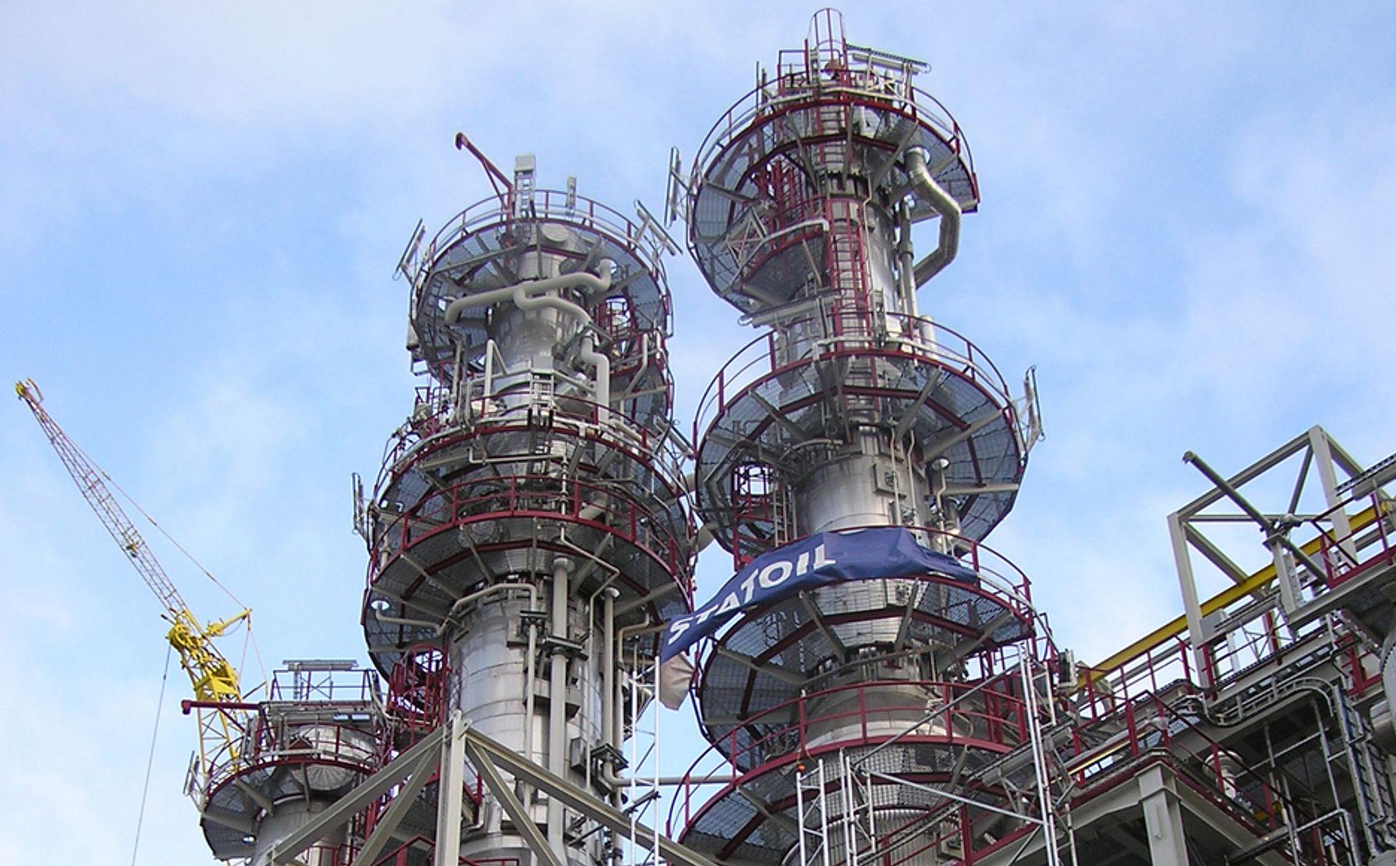 RENERE: Kolonner fra Snøhvit separerer ut de tyngre naturgasskomponentene så bortimot ren metan går videre til LNG-produksjon.