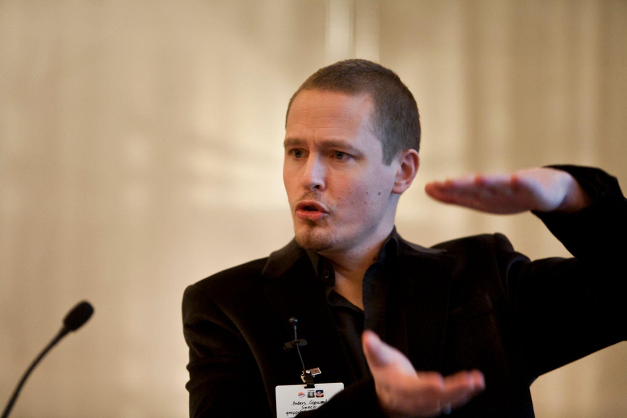 FRISKT PUST: Gruppeleder for vei og anlegg i Sweco, Anders Gjøsund, holdt et friskt innlegg under årets Lerchendalkonferanse.