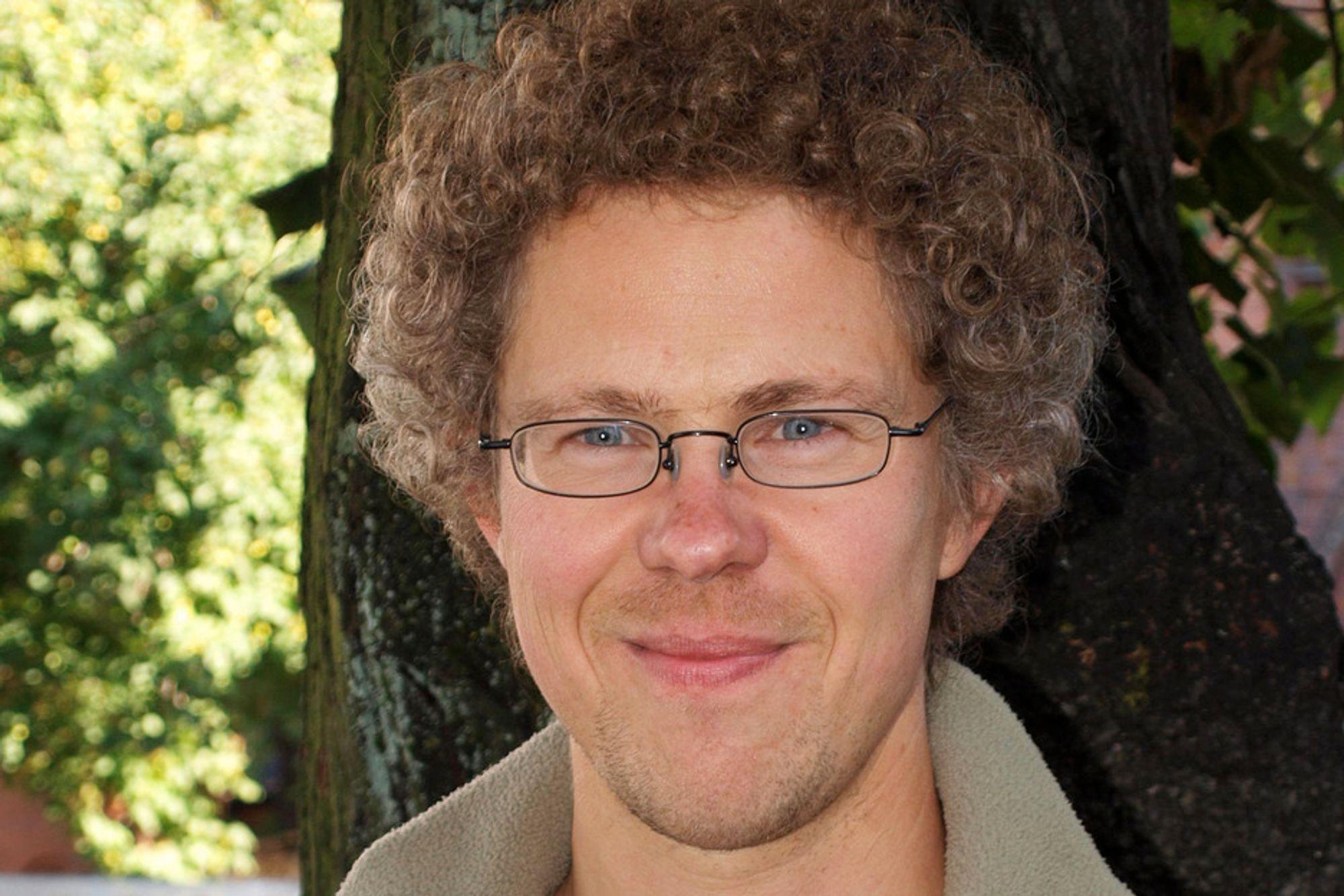 Per arealenhet er klimagassutslippene fra økologisk drift lavere enn ved konvensjonell drift, sier fagsjef Jon Magne Holten i Oikos.