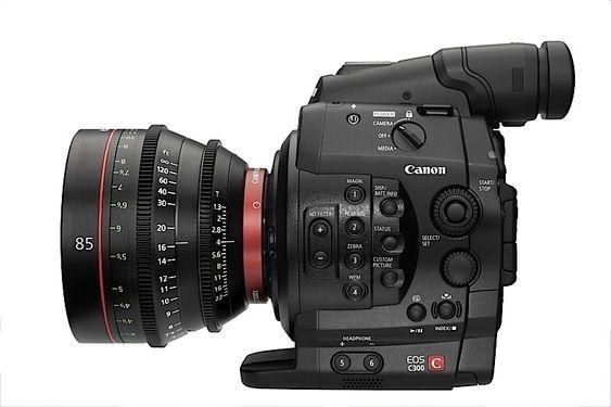 Canons nye C300 skal bli et svært praktisk kamera for profesjonelle videofotografer, med sin smale formfaktor og store utvalg objektiver.
