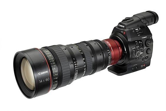 Sammen med kameraet lanserte Canon en haug med nye objektiver - to 14,5-60mm, to 30-300mm og tre fastobjektiver på henholdsvis 24, 50 og 85 mm.