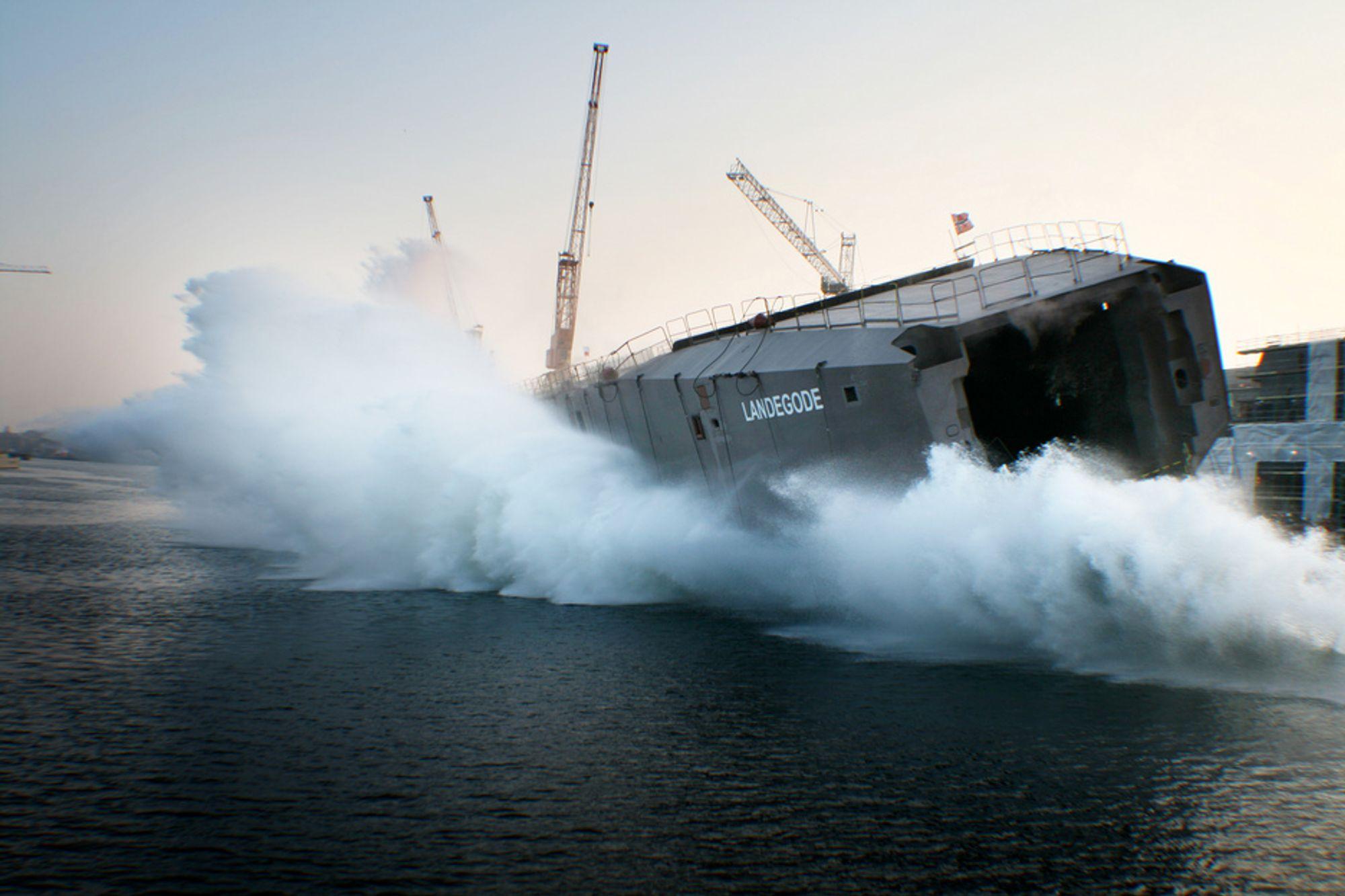 PLASK: Første av fire skrog til LNG-fergene til Torghatten Nord sjøsettes i Polen.