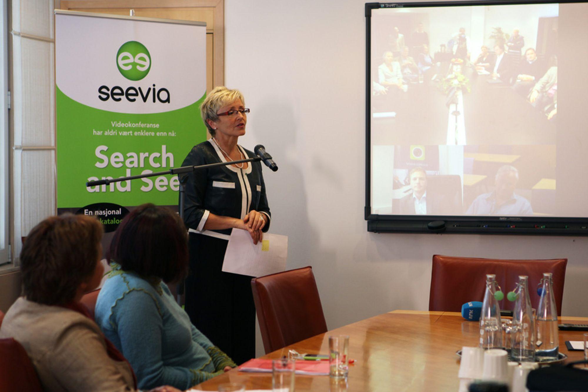 - Det er viktig med en holdningsendring for å øke bruk av videokonferanse, sa kommunal- og regionalminister Liv Signe Navarsete under Seevia-lanseringen tirsdag.