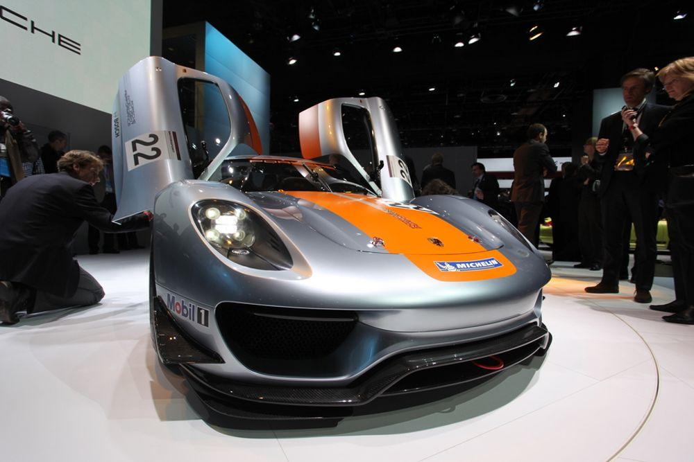 Motorsporthybriden Porsche 918 RSR var første nykommer på NAIAS i Detroit.