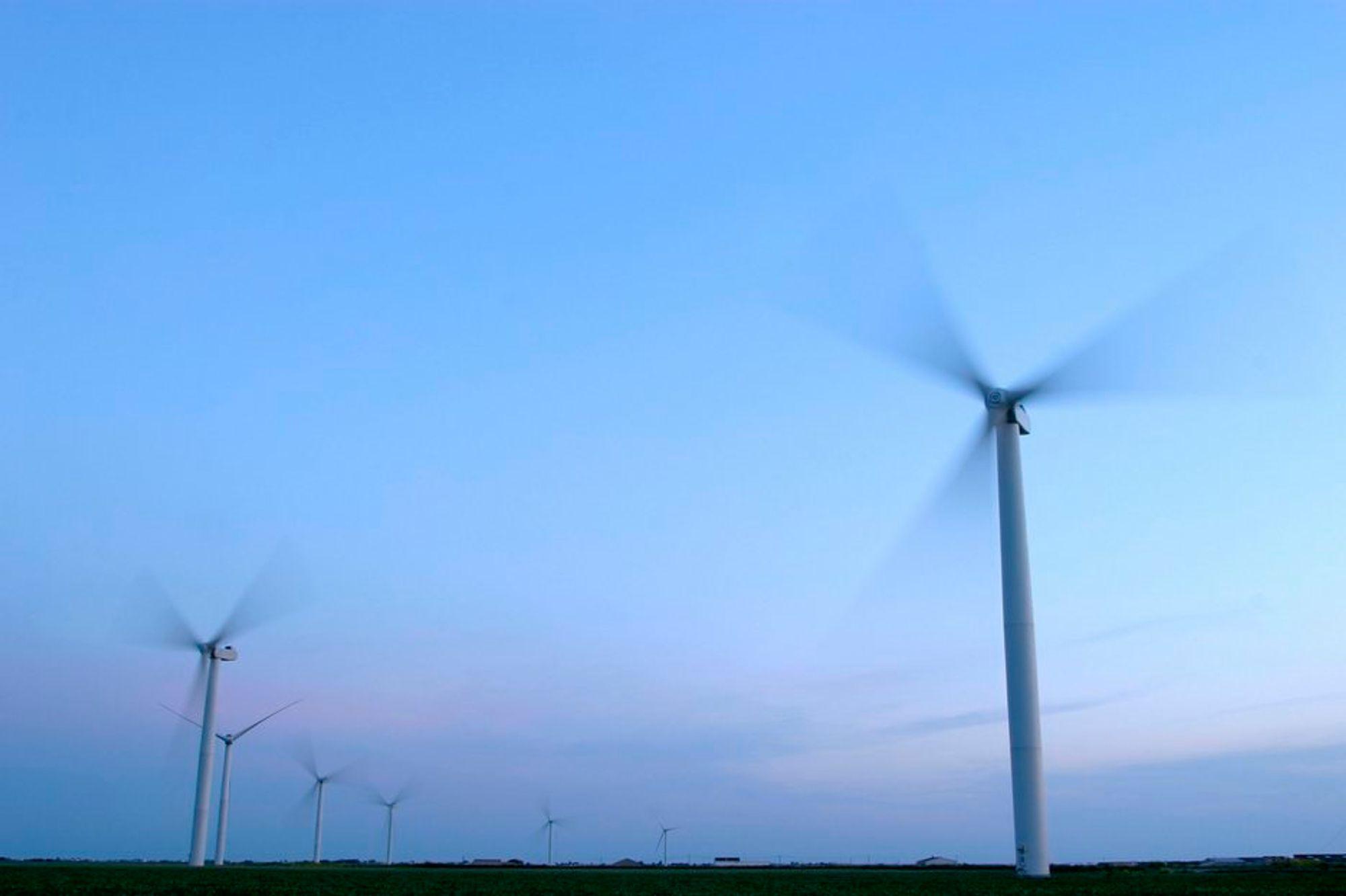 HISTORISK: For første gang måtte danske vindmøller stoppes. De produserte så mye elektrisitet at nettet nesten brøt sammen ved inngangen til 2007.