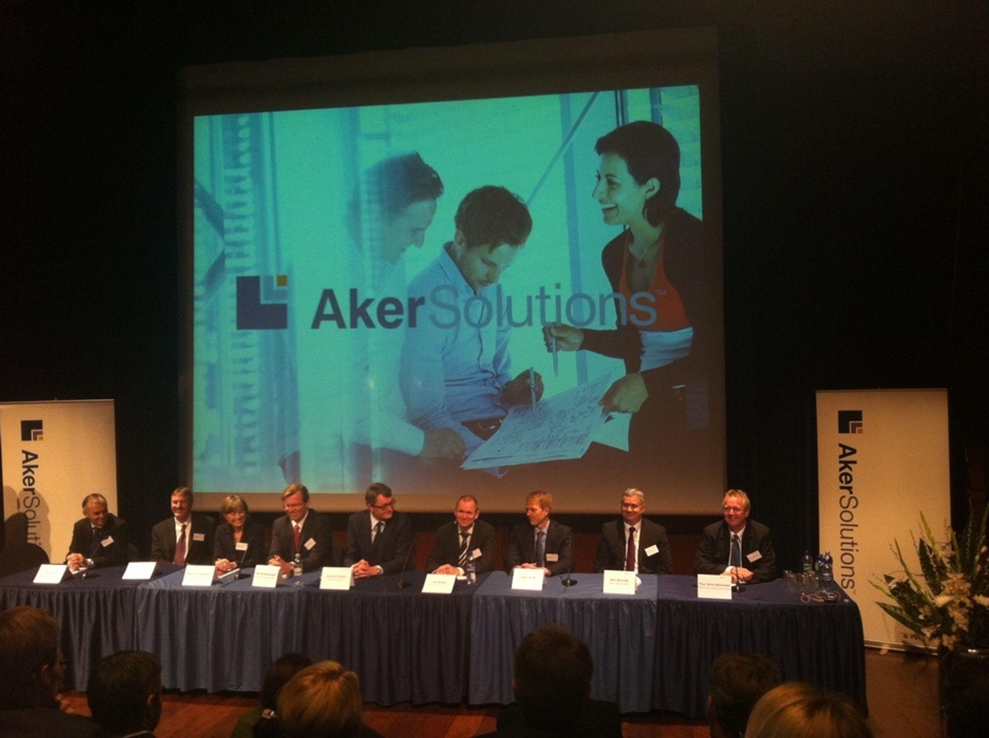 Aker Solutions samlet sine ni direktører under selskapets kapitalmarkedsdag i Oslo i dag.