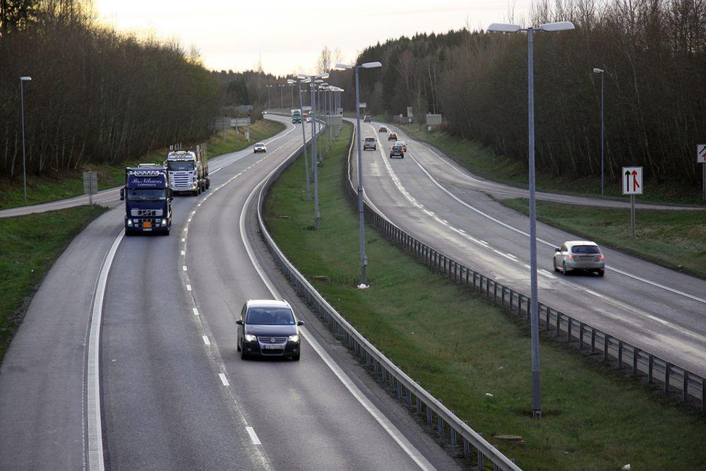 MER VEIBYGGING: Økonomer Teknisk Ukeblad har snakket med, mener at mer satsing på veibygging ikke gir press i norsk økonomi.
