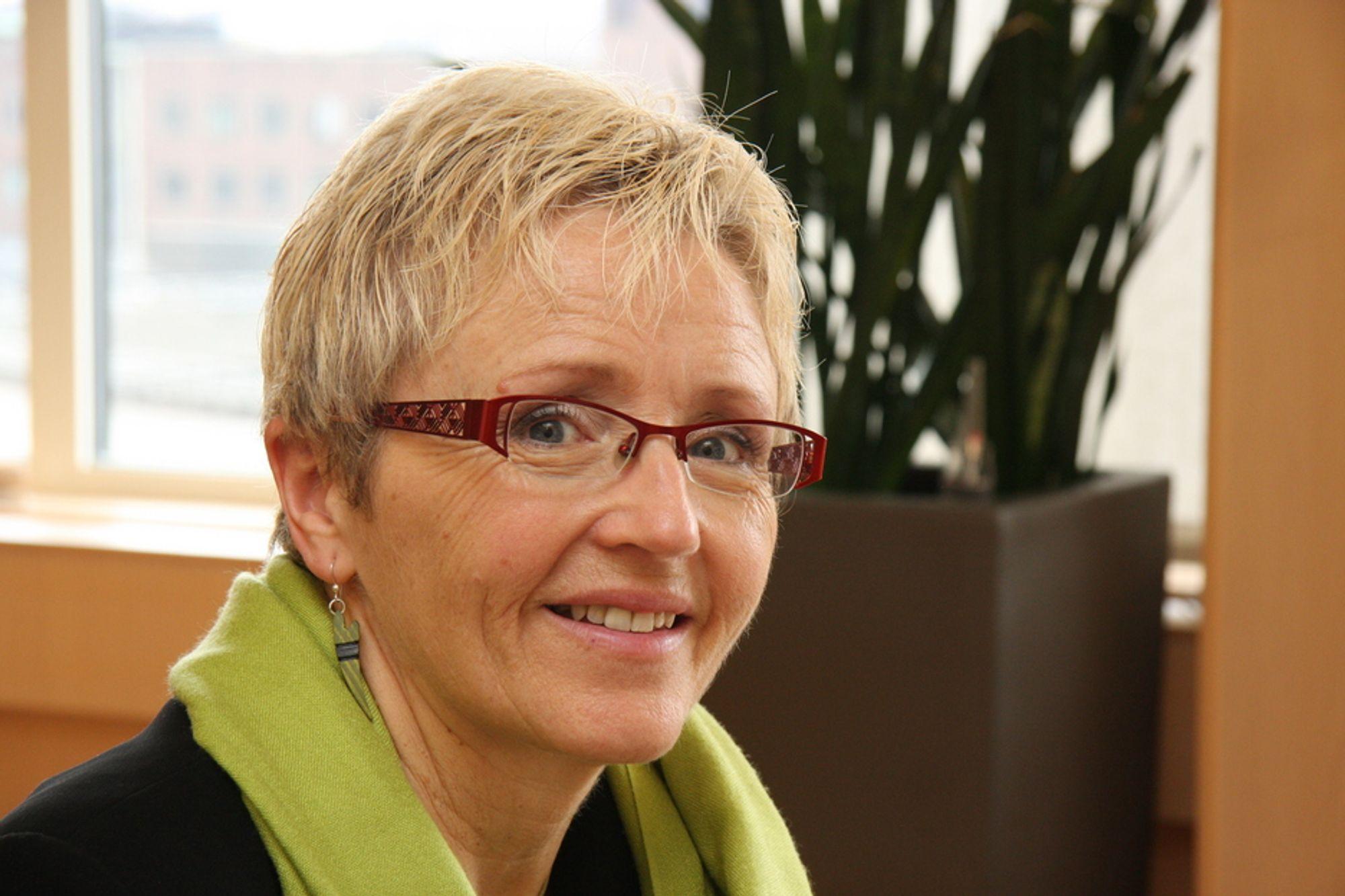 MER ENN PENGER: Kommunal og regionalminister Liv Signe Navarsete erkjenner at det er langt mer enn penger som skal til for å sikre godt vedlikehold av offentlige investeringer. Men hun vet ennå ikke riktig hva.